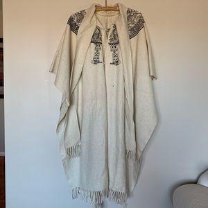 Artilana 100% Wool Cape Aztec Shawl Poncho Coat
